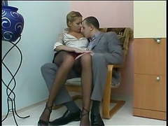 Young secretary takes it in the ass videos