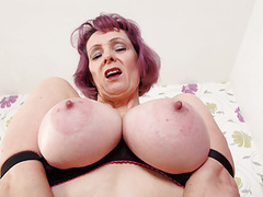 British gilf tigger exposes her big tits and wet hole movies at freekiloporn.com