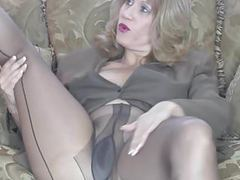 Milf sammi playing movies at kilogirls.com