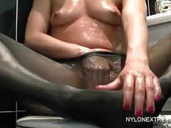 Chloe oils up for pantyhose play & dildo movies at find-best-lesbians.com