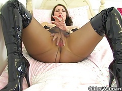 English mums in tights part 3 movies at freekilosex.com