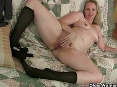 Pantyhose ignite mom's lust for solo sex movies at find-best-babes.com