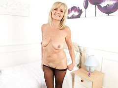 English milf dolly gets naughty in tights movies at kilogirls.com