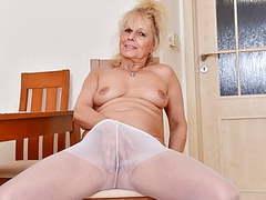 Euro gilf koko starts rubbing her sweet matured clit movies at find-best-lesbians.com