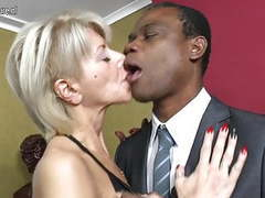 Hot white mother go black while hubby away movies at find-best-videos.com