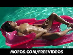 Bikini clad brunette oils up and masturbates in the pool movies at find-best-lingerie.com