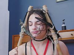 Cleaning her face with windshield wipers before rimjob movies at find-best-lingerie.com