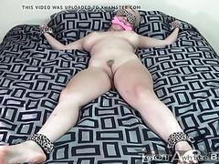 White slut tied up and played with movies at sgirls.net
