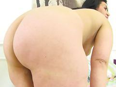 English milf candylips peels off her leggings and plays movies at freekiloporn.com