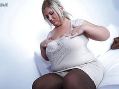 Big breasted mature mom working her beaver movies at kilogirls.com