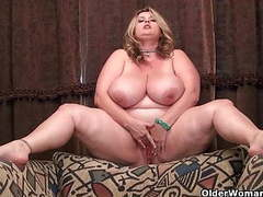 Bbw milf kimmie kaboom rubs her throbbing clit videos