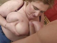 Super busty mature mom fucking young son movies
