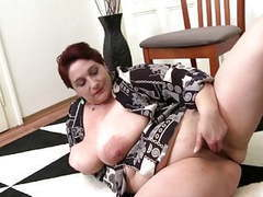 Real mature mom with very big tits and hungry pussy movies at kilotop.com