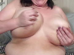 Big breasted mature bbw playing with her toy videos
