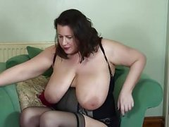 Mature bbw mother fingering her little cunt movies at kilosex.com