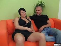 Fat girlfriend enjoys pussy fingering and cock riding tubes
