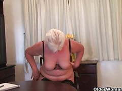Chubby granny in stockings plays with vibrator movies at freekilopics.com