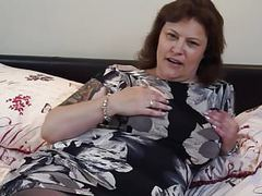 British mature bbw mom tiger cub fingering her pussy movies at kilopics.net