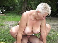 69 years old bbw grannie outdoor banged movies at kilosex.com