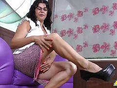 Latinchili mature latina lucia playing movies at freekilosex.com
