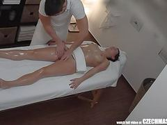 Freaky masseur cumming to his client videos