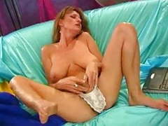 Mom squirting...f70 movies at find-best-lingerie.com