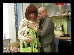 Casalinga italiana scopata - italian house wife videos