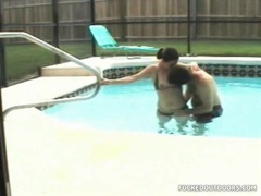 Fucking his horny bikini girlfriend in pool tubes
