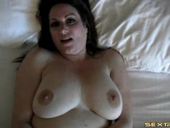 Masturbating fat chick fingered in the cunt movies at adipics.com