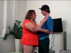Skinny dude gets sexy titjob from fat girl movies at freekilopics.com
