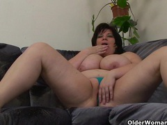 Busty and mature bbw masturbates with vibrator videos