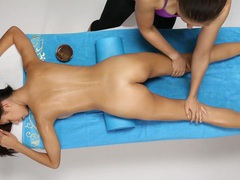 W4b sensual massage movies at find-best-videos.com