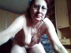 Mature pissing cam movies at freekilomovies.com