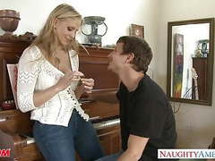 Milf in sexy jeans julia ann gets nailed tubes