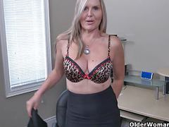Canadian milf velvet skye creams her office chair movies