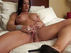 Female bodybuilder strips and masturbates her big clit movies at kilovideos.com