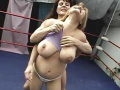 Exposed catfight movies at freekilosex.com