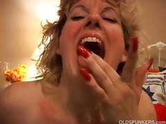 Sexy cougar loves to fuck a younger guy videos