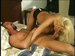 Huge tits blonde cougar pamela peaks videos