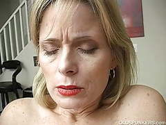 Super sexy older lady is so horny she has to masturbate tubes