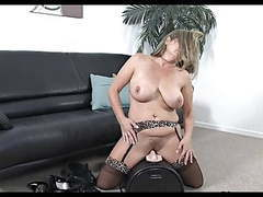 Milf 17 sybian movies at kilomatures.com