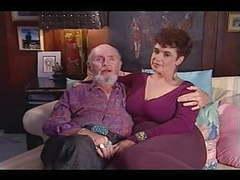 Amateur mature couple r20 movies at kilomatures.com