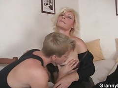 Granny fucked by young guy movies at freekiloclips.com