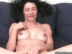 Grandma with hairy pussy gets fingered tubes