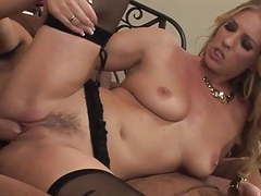 Mature milf cougar in lingerie and heels fucks really good movies at kilogirls.com