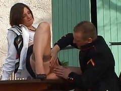 Une hotesse de l air se fait baiser par son commandant movies at kilomatures.com