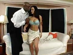 Lisa ann welcomes sean to the hood. movies at freekilosex.com