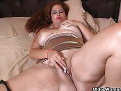 Latina milf sandra needs relaxing after a hard day's work movies