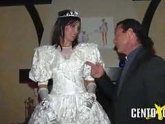 Di giorno sposa di notte scrofa videos