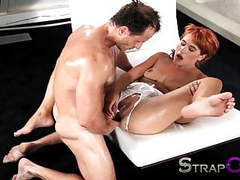 Strapon mature guy shows her she can take it in both holes tubes